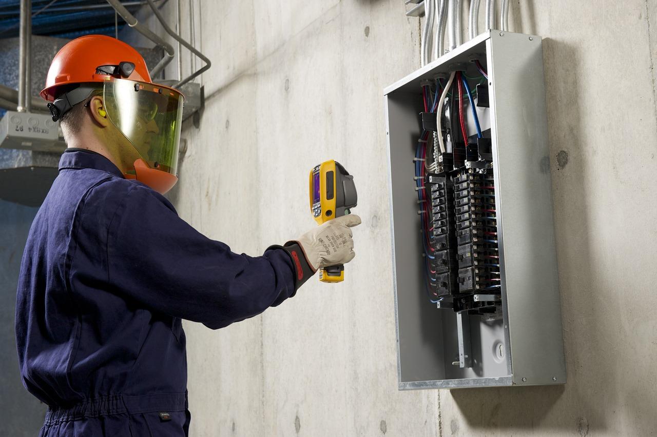 Kamery Ti90 i Ti95 przeznaczone są do diagnostyki przemysłowej, elektrycznej, HVAC. Znajdą zastosowania w budynkach komercyjnych, a także w utrzymaniu ruchu.