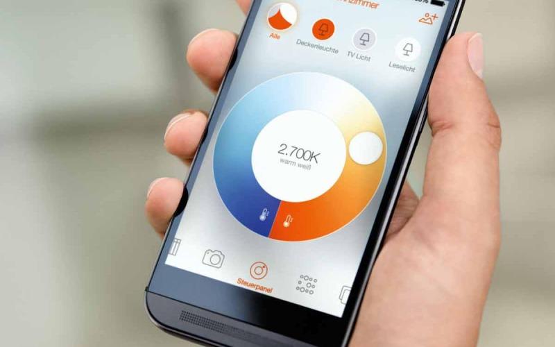 Sterowanie oświetleniem z Osram Lightify jest niezwykle proste i może odbywać się z dowolnego miejsca przy pomocy specjalnie dedykowanej aplikacji w smartfonie lub tablecie.