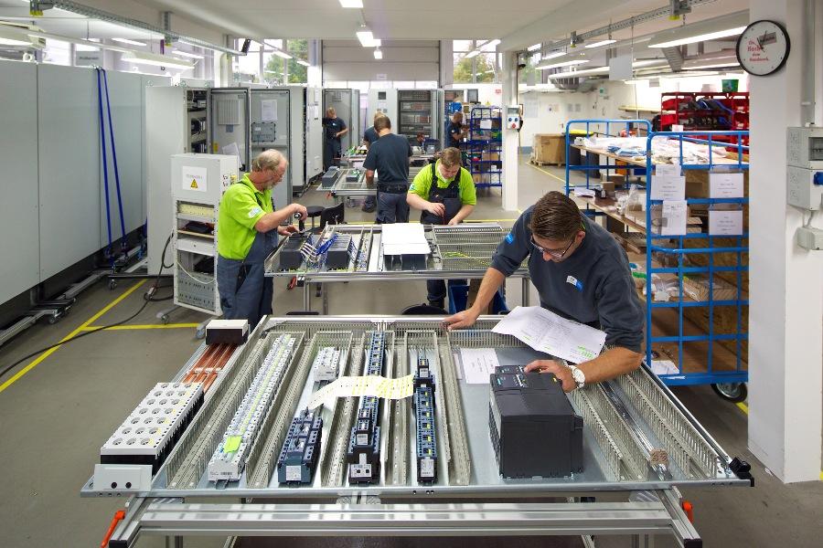 Projekt montażowy jest prowadzony przez specjalistów z doświadczeniem praktycznym
