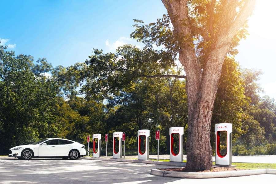 Punkt Supercharger, fot. Tesla Motors