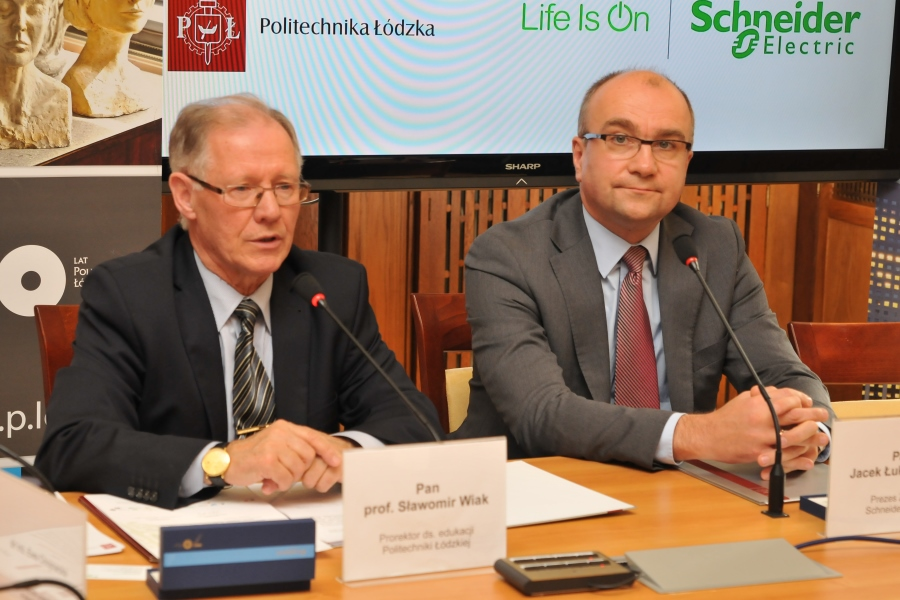 Dzięki współpracy Politechniki Łódzkiej i firmy Schneider Electric na uczelni ruszy nowa, jedyna w Polsce specjalizacja – Systemy Sterowania Inteligentnymi Budynkami