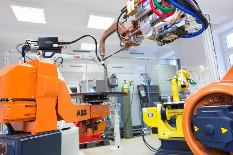 Jedno z największych robotycznych laboratoriów w Europie na WAT w Warszawie