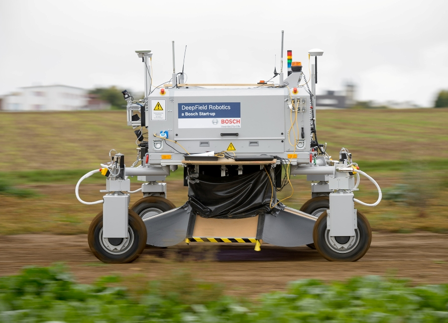 Start up Bosch: Przykład Deepfield Robotics i robota rolnego Bonirob.