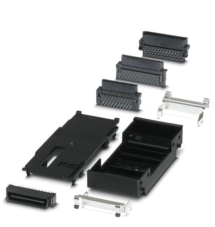 Fot. 3. Akcesorium do obudowy ME-PLC to także mostek magistrali montowany w dnie szyny. Można w nim zastosować laminat, w którym da się zintegrować część funkcjonalności urządzenia.