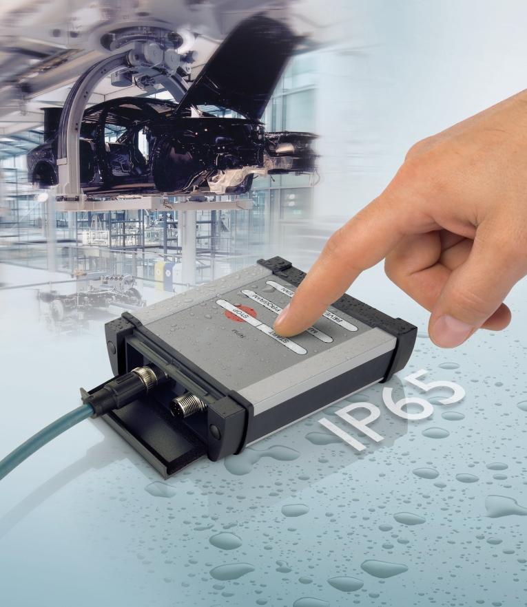 Szczelna obudowa typu Handheld idealnie nadaje się na wszelkiego typu panele operatorskie.