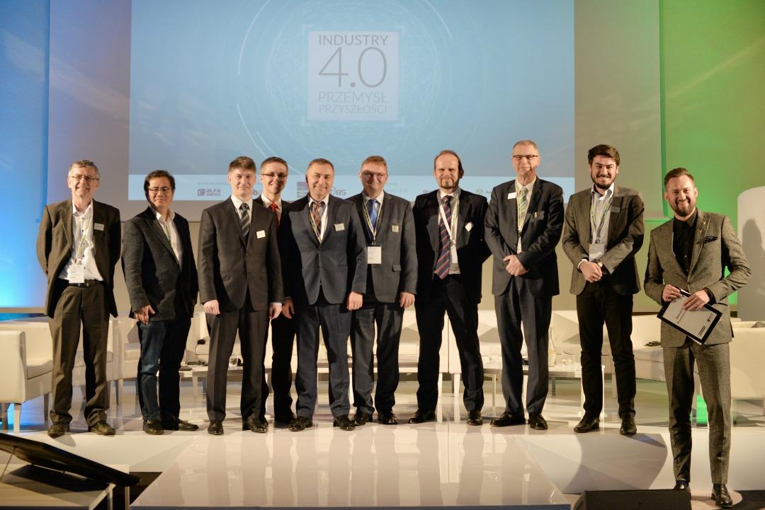 Całość spotkania wraz z ożywionym panelem dyskusyjnym na podsumowaniu dnia poprowadził Marcin Prokop.
