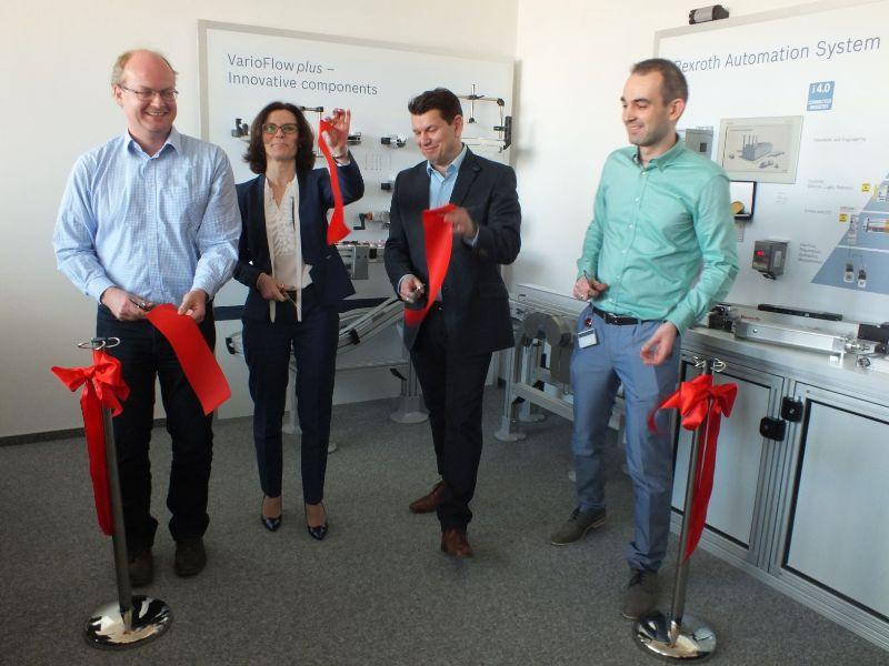Otwarcie laboratorium szkoleniowego napędów i sterowań elektrycznych w firmie Bosch Rexroth Sp. z o.o., które miało miejsce w dniu 20.04.2016