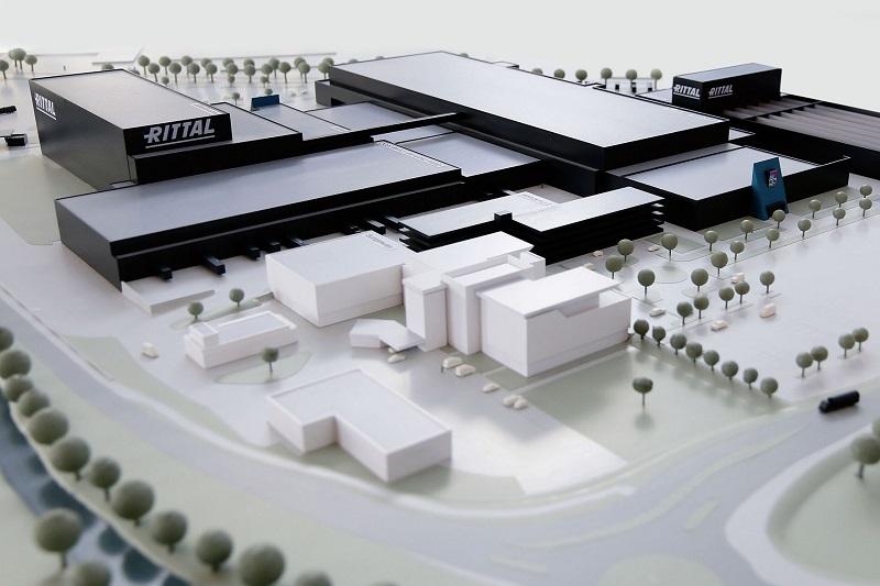 Za 250 milionów euro Rittal buduje supernowoczesny zakład do produkcji obudów kompaktowych. To największa inwestycja w historii firmy