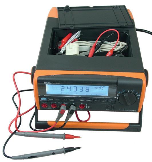 Fotografia 1. Pojemnik na akcesoria dostępny po otwarciu pokrywy na górze obudowy