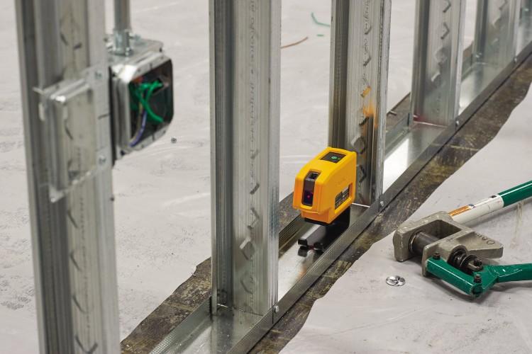 Fluke wprowadza na polski rynek rodzinę niwelatorów laserowych