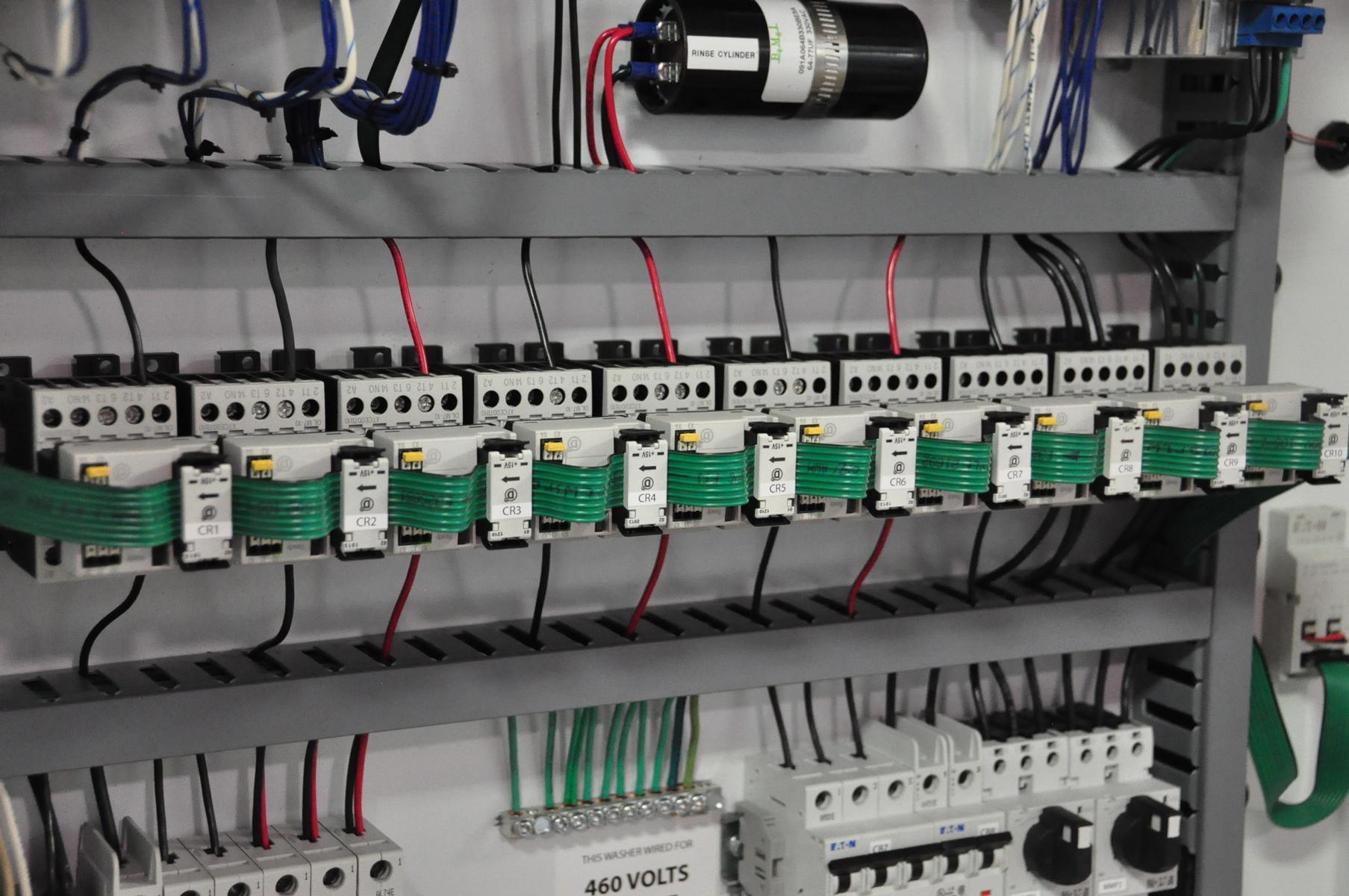 Inteligentny system okablowania i komunikacji Eaton SmartWire-DT