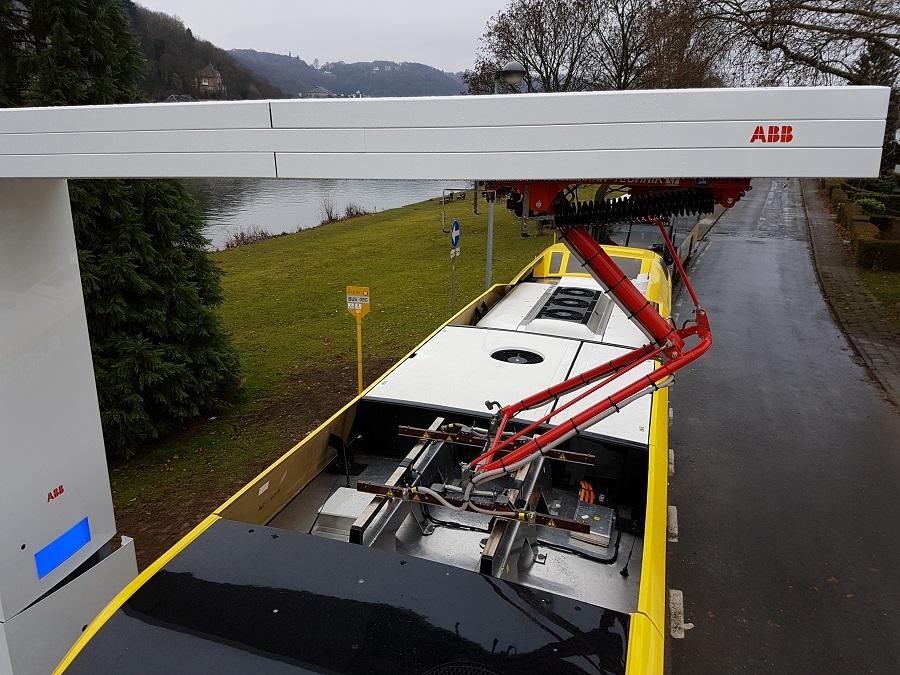OppCharge umożliwia korzystanie ze stacji ładowania przez autobusy elektryczne różnych producentów, a tym samym uniknięcie problemów dotyczących kompatybilności.