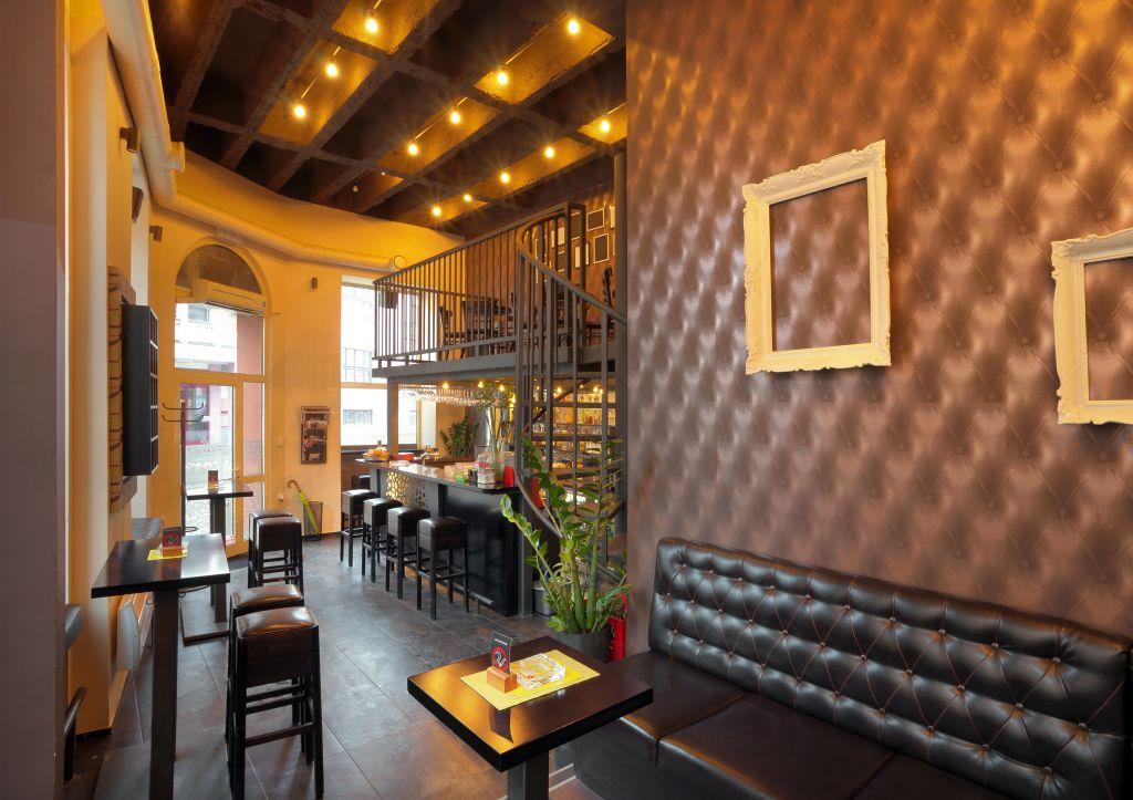 Oświetlenie stref relaksu w hotelu i restauracji