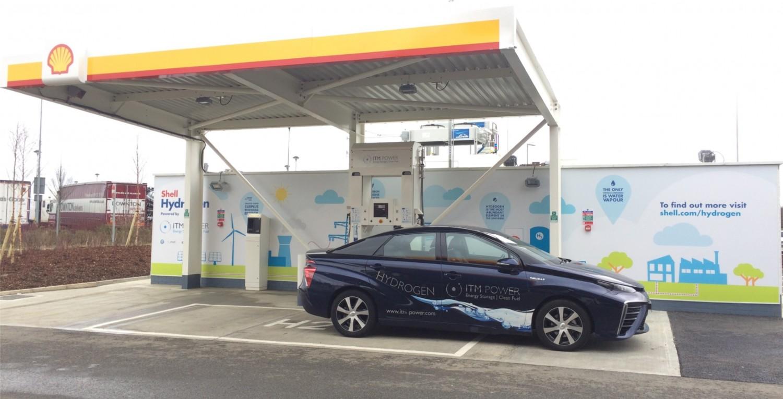 W testowej instalacji pod Londynem nadwyżki energii odnawialnej wykorzystywane są do wytwarzania paliwa dla aut z napędem wodorowym