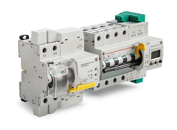 TeleREC Top składa się z wyłącznika nadprądowego 2 lub 4 fazowego o obciążalności zwarciowej 10kA (EN 60898-1) zintegrowanego z modułem napędu silnikowego oraz przekaźnika.