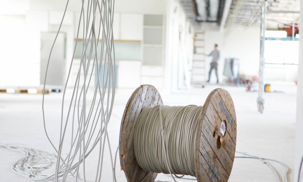 Bezpieczna instalacja wymaga użycia przewodów  odpowiedniej jakości