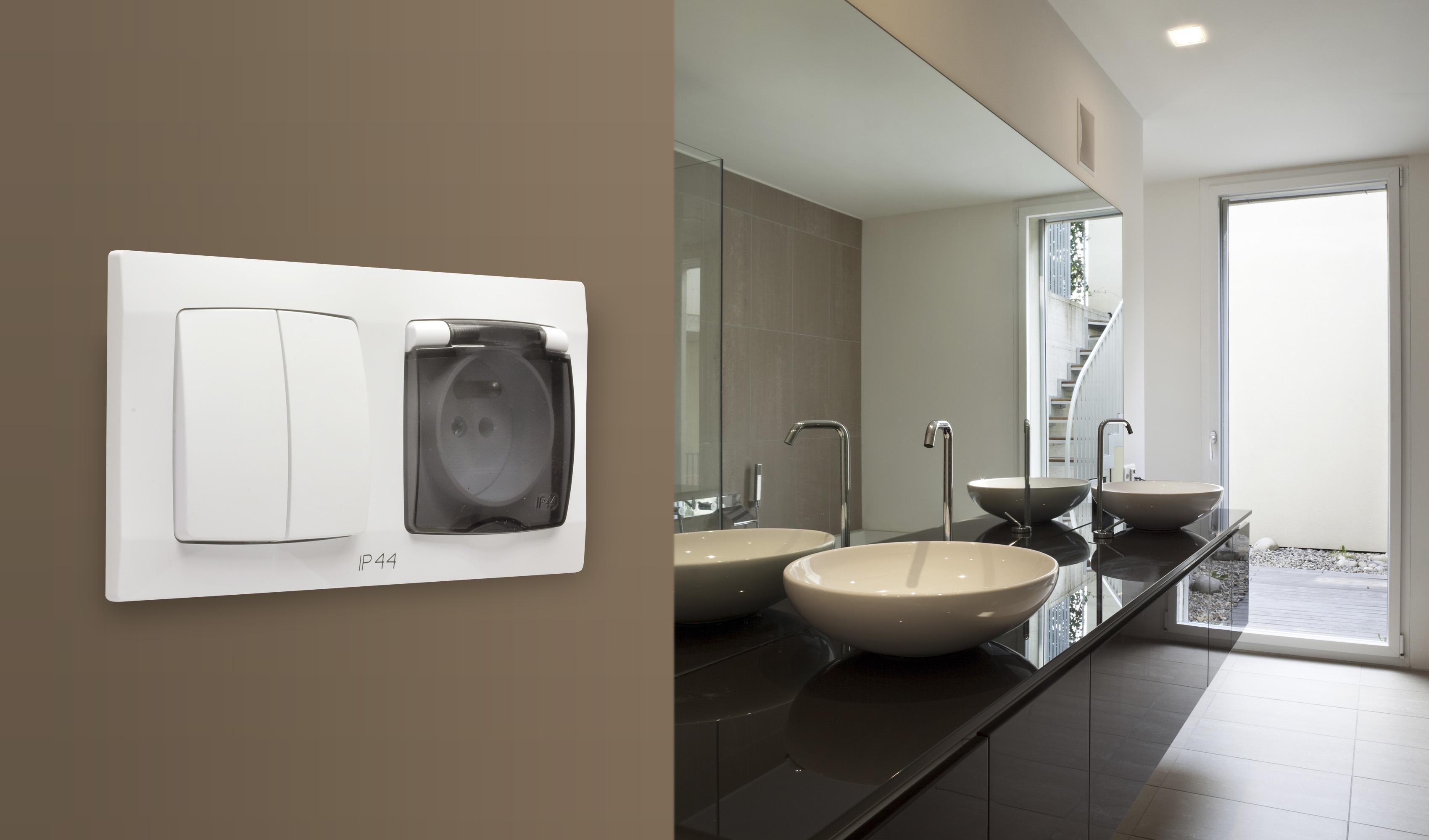 Modułowy osprzęt KARO w łazience. Fot. Ospel