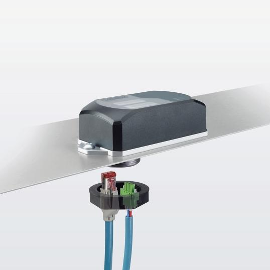Rys. 5. Z powodu oprawy z jednym otworem WLAN 1100 może być łatwiej i szybciej mocowany bezpośrednio na maszynach, pojazdach lub szafach sterowniczych.
