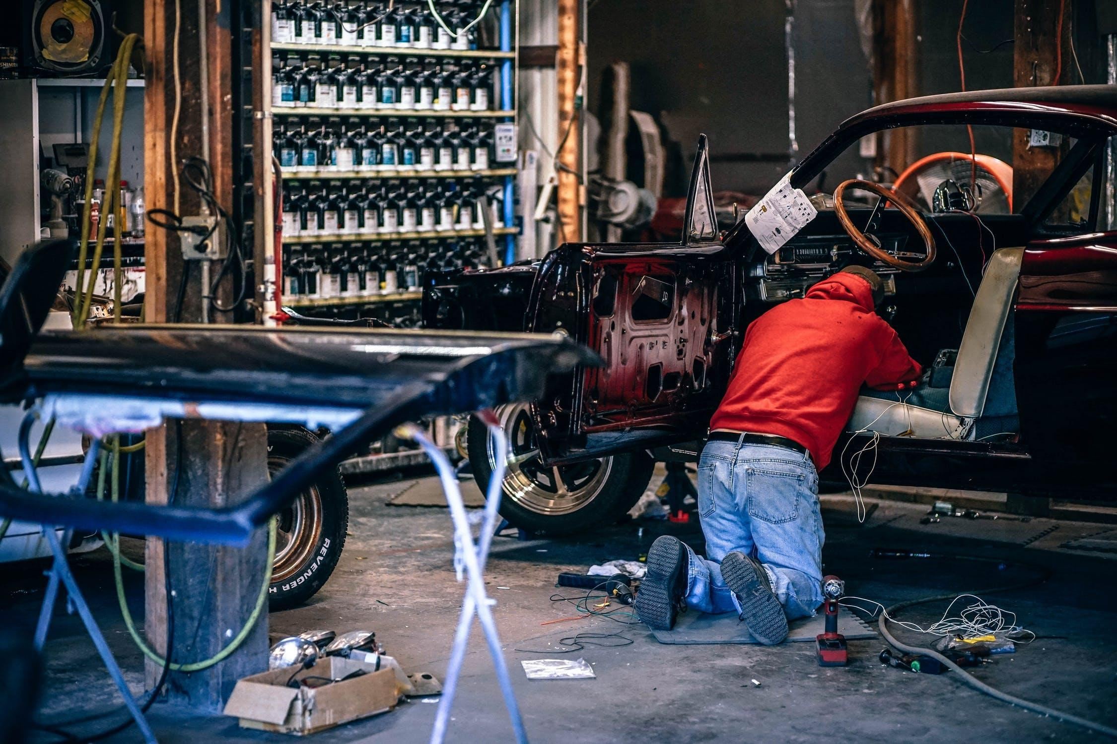 W warsztacie wykorzystywane jest wiele urządzeń na sprężone powietrze