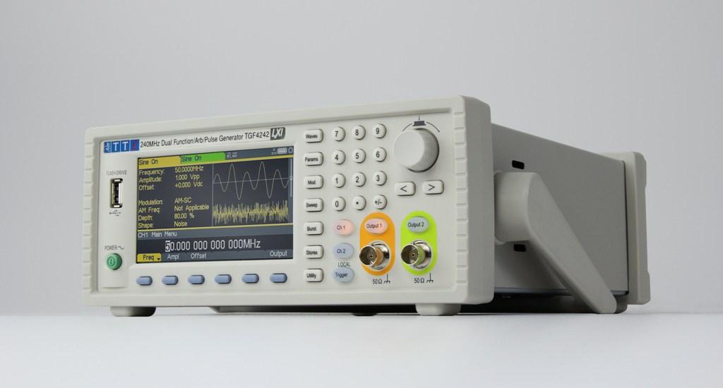Generator funkcyjny arbitralne TGF4 firmy Aim-TTi