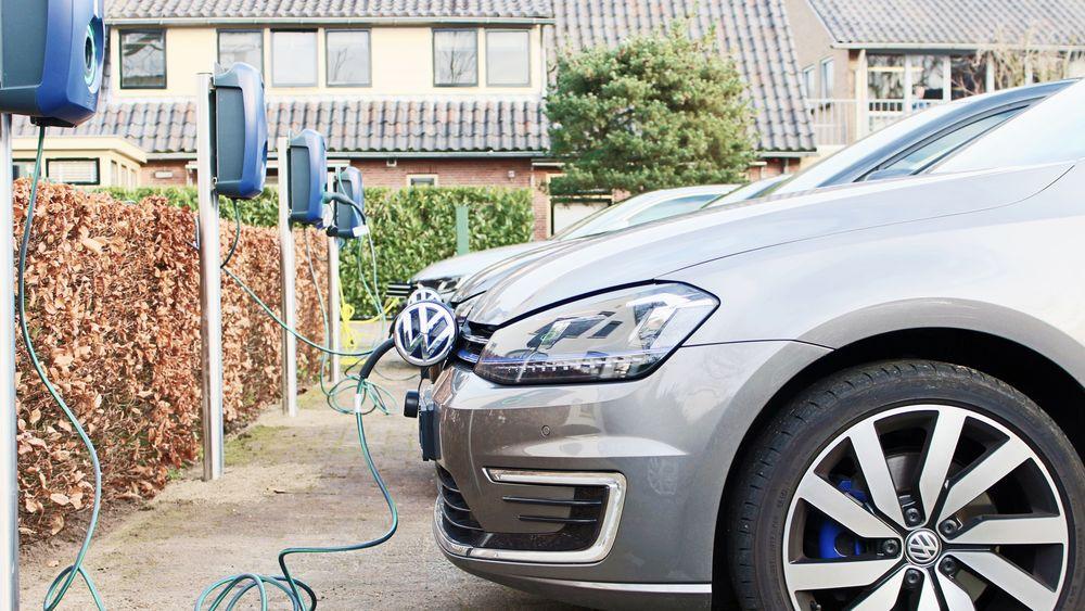 Możliwość zasilania aut energią elektryczną: liczba stacji szybko rośnie.