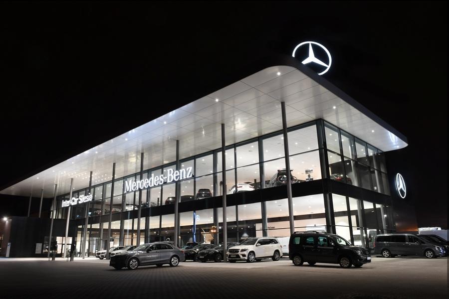 Iluminacja obiektu z zewnątrz fot. Inter-Car Silesia