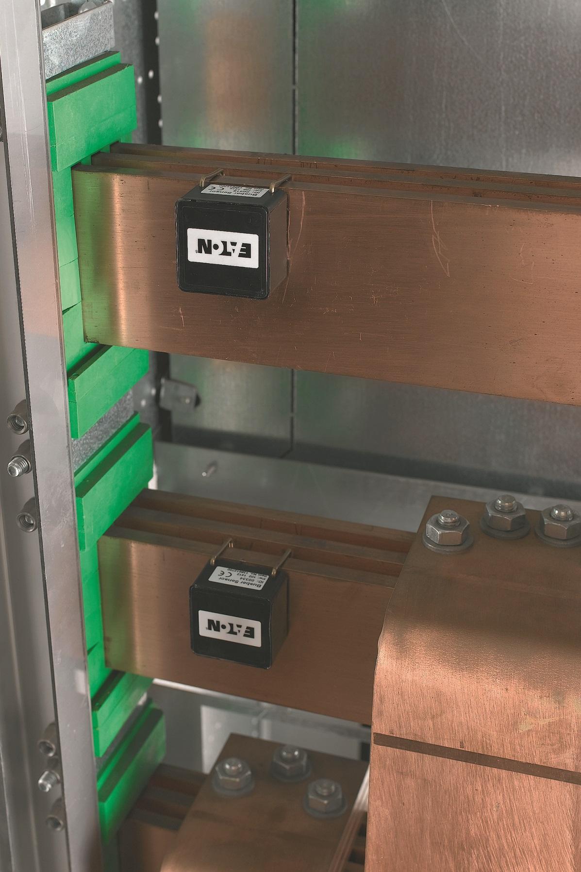 Czujniki temperatury bezprzewodowo przesyłają dane do kontrolera co 10 minut