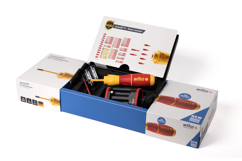 W nowym zestawie speedE® II Set znajdują się oprócz wkrętaka elektrycznego dwa akumulatory, dedykowana ładowarka, czerwony bit slimBit i żółty bit Power slimBit oraz kaseta L-Boxx Mini, służąca do przechowywania i transportowania.