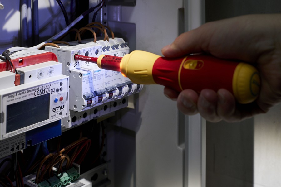 Wkrętak elektryczny Wiha speedE® II electric – teraz jeszcze szybszy dzięki dwóm stopniom ochrony materiału