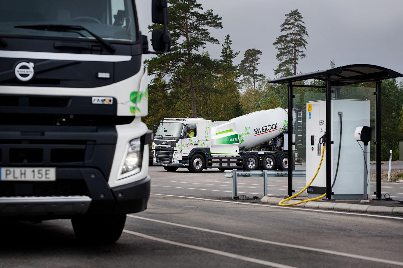Elektryczne Volvo FM będzie dostarczać beton klientom Swerock na obszarach miejskich.