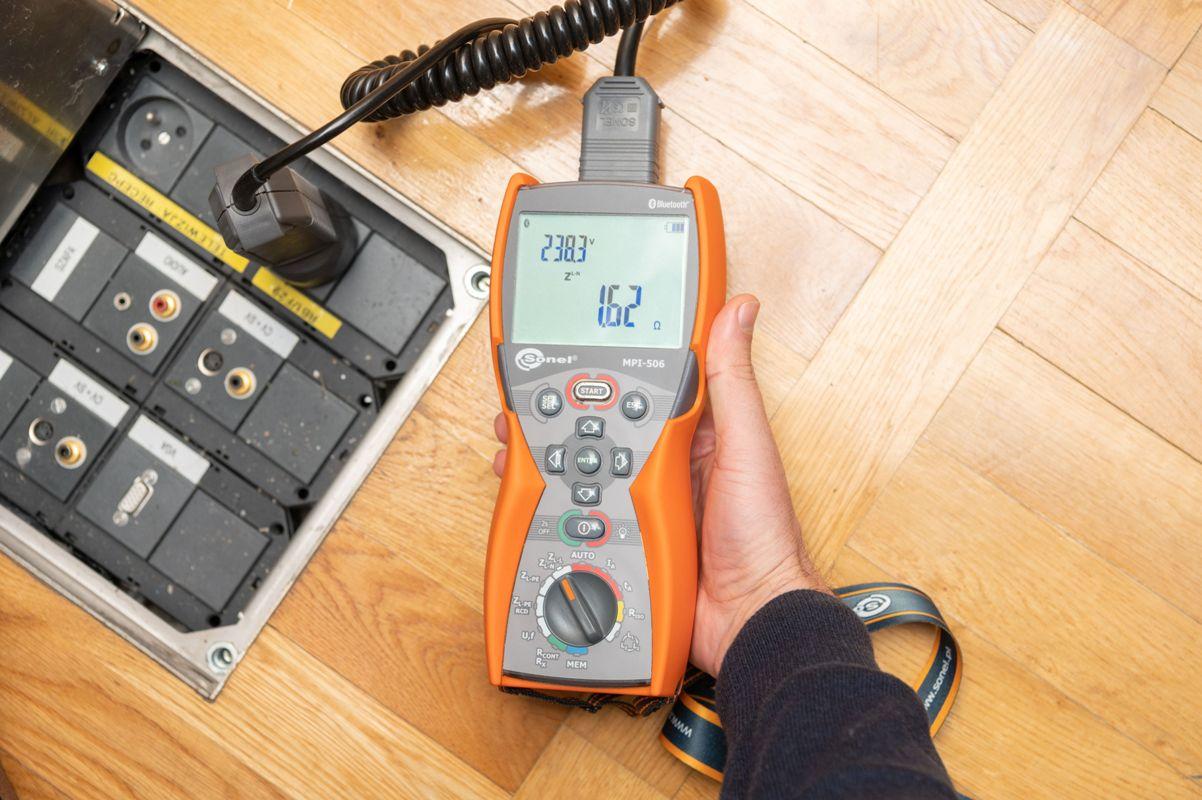 Pomiar impedancji pętli zwarcia miernikiem Sonel MPI-506 (2).jpg