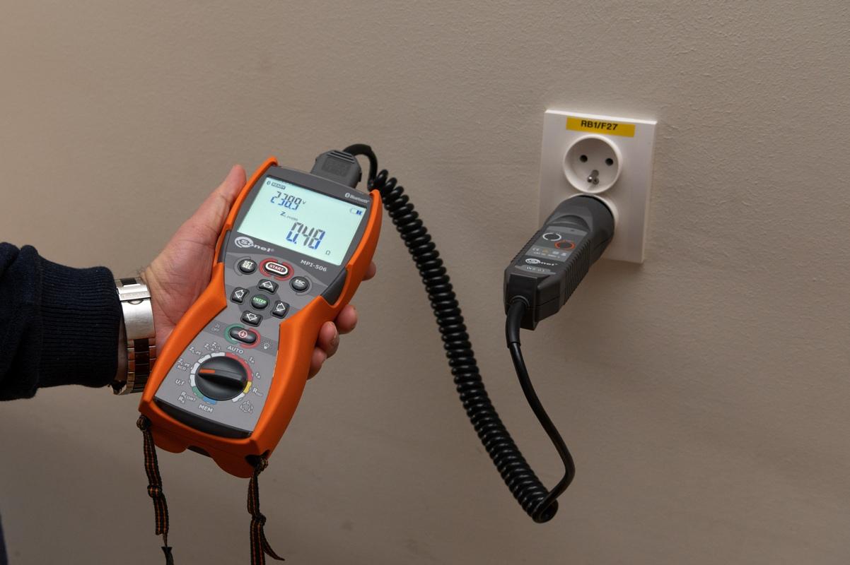Pomiar impedancji pętli zwarcia miernikiem Sonel MPI-506