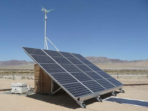 W skład hybrydowych zestawów dostarczonych dla wojsk stacjonujących w Afganistanie wchodzi generator 18 kW,  ogniwa litowo-jonowe o mocy 40kWh i trwałości 4000 cykli ładowania-rozładowania i panele słonecznych o mocy 10 kW.