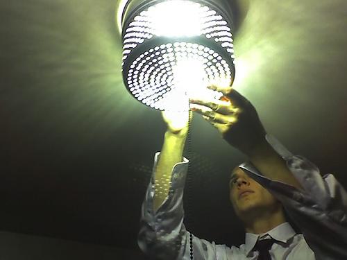 Żarówki LED – szkodzą czy są neutralne dla zdrowia człowieka?