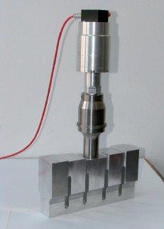 Przykład układu drgającego z sonotrodą w kształcie prostopadłościanu