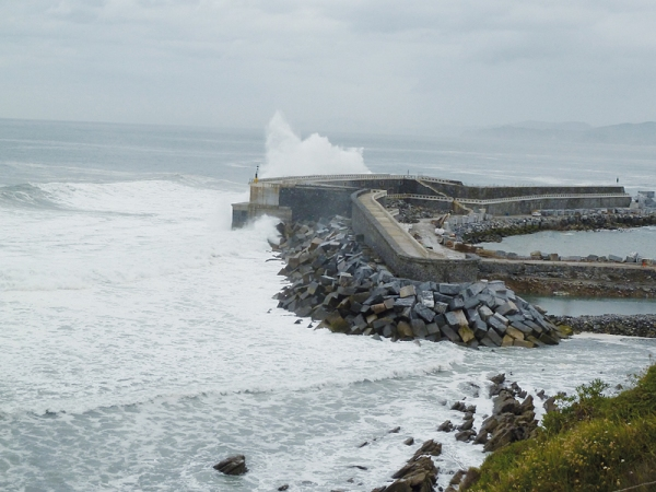 pierwsza elektrownia zasilana energią fal morskich