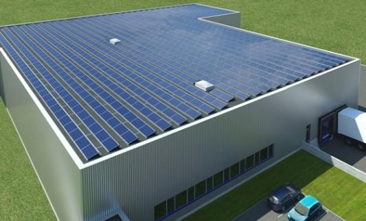 System montażu polikrystalicznych modułów fotowoltaicznych Schüco MSE 210 Aero na dachu hali magazynowej