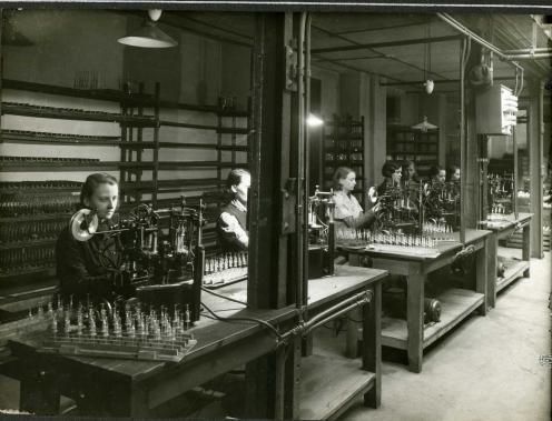 Przygotowanie podpórek - 1938 r.