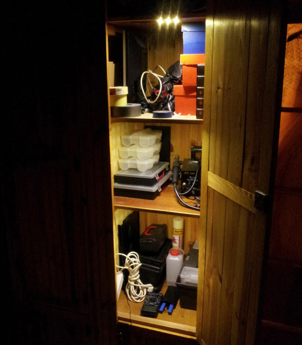 oświetlenie szafki narzędziowej diodami LED