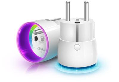 Włącznik przekaźnikowy typu PLUG umożliwiający pomiar mocy oraz energii elektrycznej zużywanej przez odbiornik