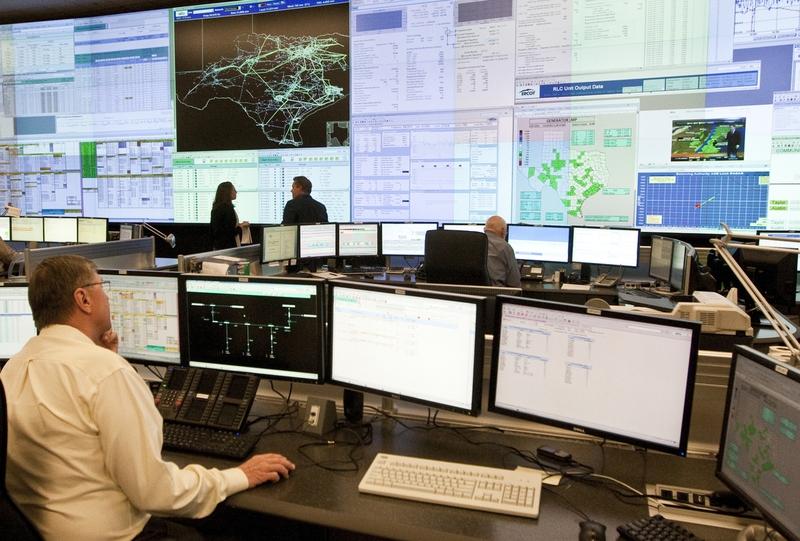 Rys. 1. Sala dyspozycji mocy ERCOT (Electricity Reliability Council of Texas – USA)