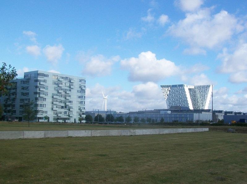 Wiatrak jako część sławnego duńskiego centrum kongresowego (Bella Center), w którym odbyła się międzynarodowa konferencja klimatyczna COP 15 w Kopenhadze