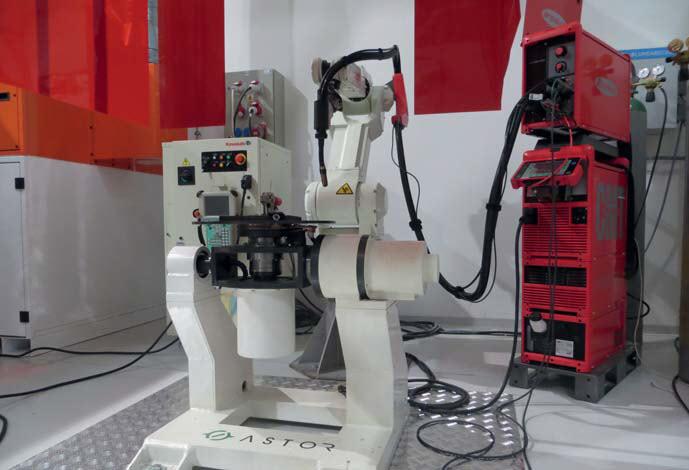 Zrobotyzowane spawanie z robotem Kawasaki FA006E z pozycjonerem dwuosiowym w technologii CMT